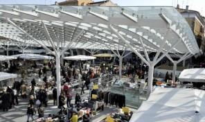 (Italiano) Mercato di Parma, Commercio Ambulante  Piazza Ghiaia e dintorni
