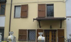 (Italiano) Panocchia (PR) Casa affiancata terracielo mq.110