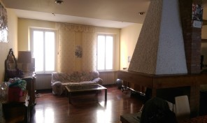 (Italiano) V.lo San Tiburzio – Parma  appartamento in palazzo storico