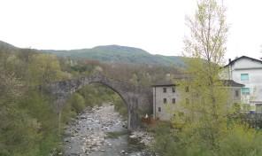 (Italiano) Lugagnano, Monchio delle Corti (PR) casetta di montagna