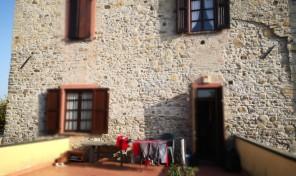 Panocchia (PR) appartamento con terrazzo