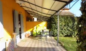 (Italiano) San Prospero a Parma, appartamento in corte con giardino